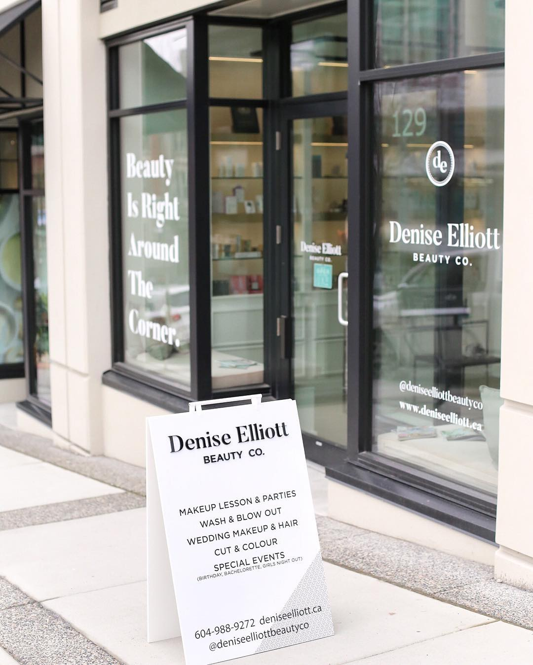 Denise Elliott Beauty Co - Signage