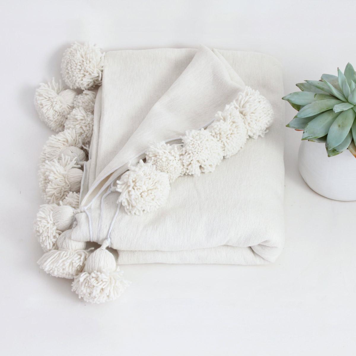 Moken - Pom Pom Blanket with Succulent